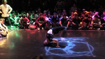 JUSTE DEBOUT EXPERIMENTAL JAPAN